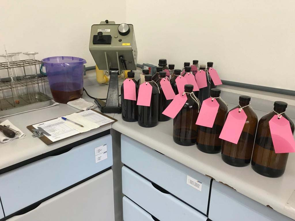 Ensaio de óleo de transformador