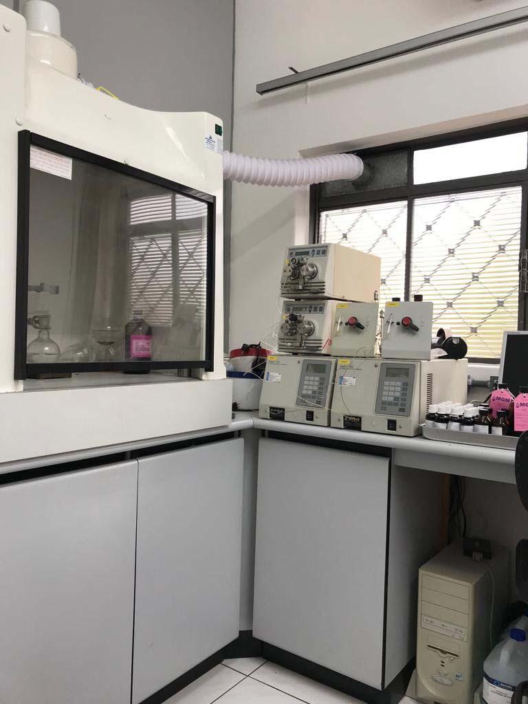 Laboratório de análise de óleo isolante